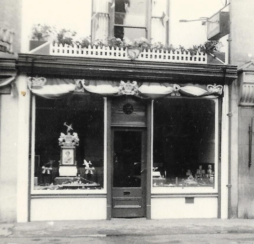 nalders fish shop station road