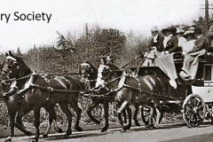 The Vanderbilt Stagecoach arriving at The Chequers